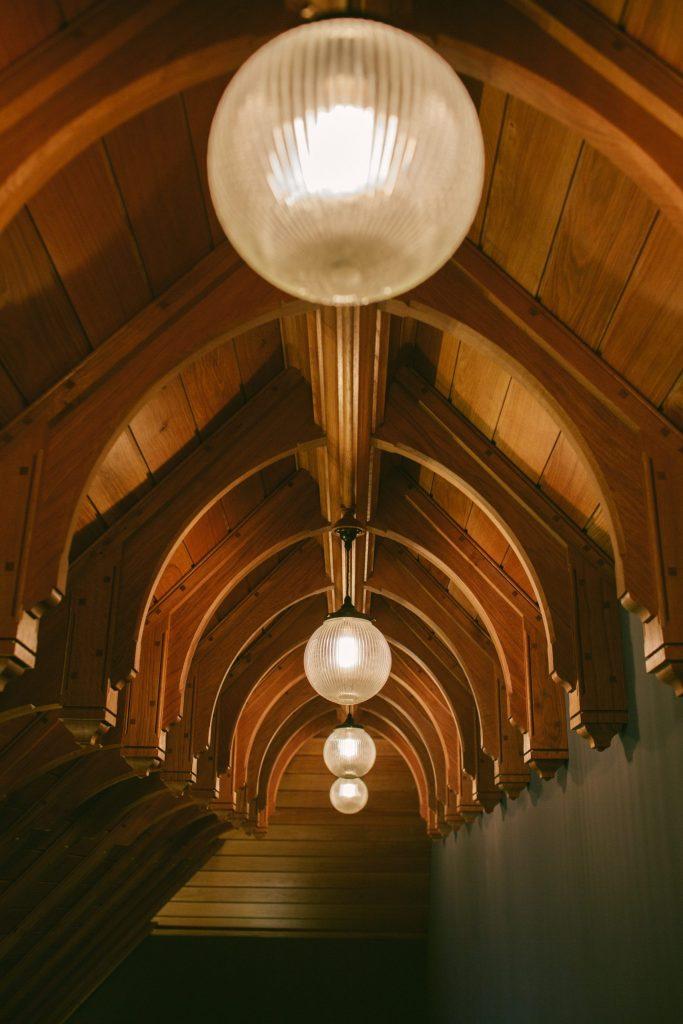 Feature Oak hammerbeam timber frame ceiling