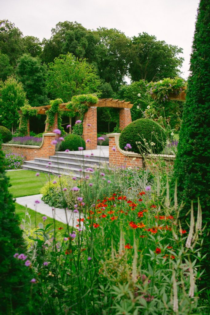 English Arts and Crafts garden design
