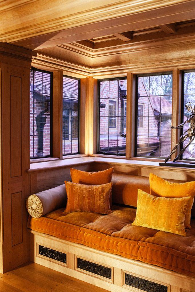 Bay window seat in Oak gallery