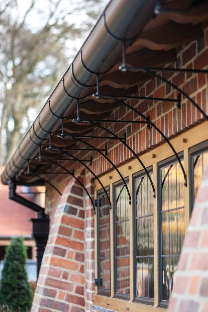 Feature Arts and Crafts guttering
