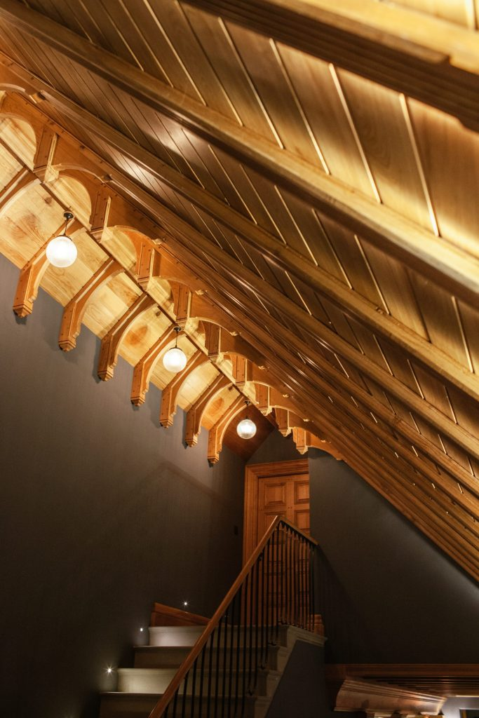 Oak hammer beam ceiling in new country house
