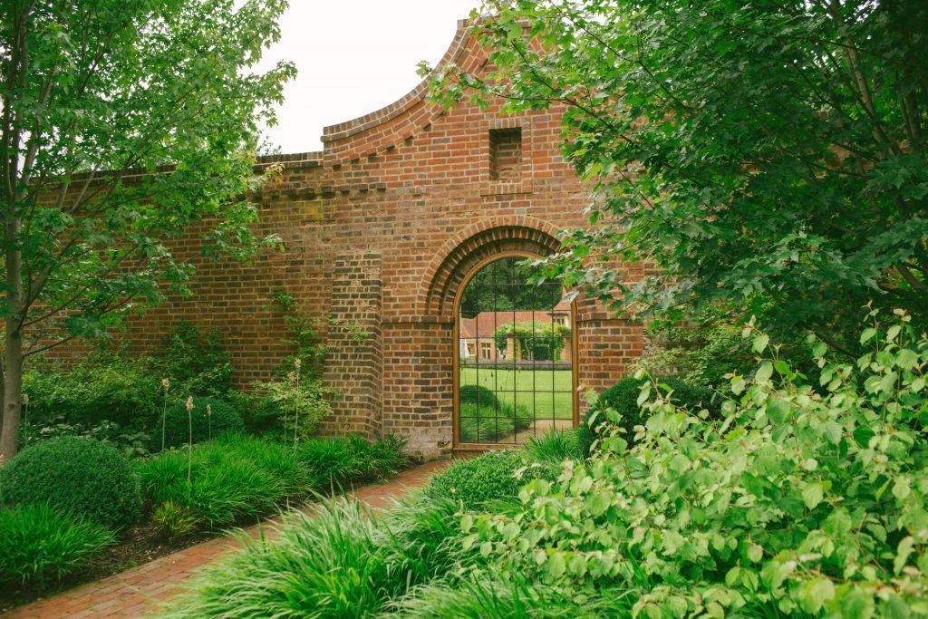 Brick Arts and Crafts arch design