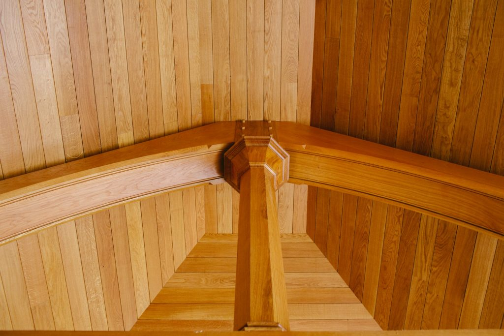 Feature Oak ceiling with octagonal column and truss