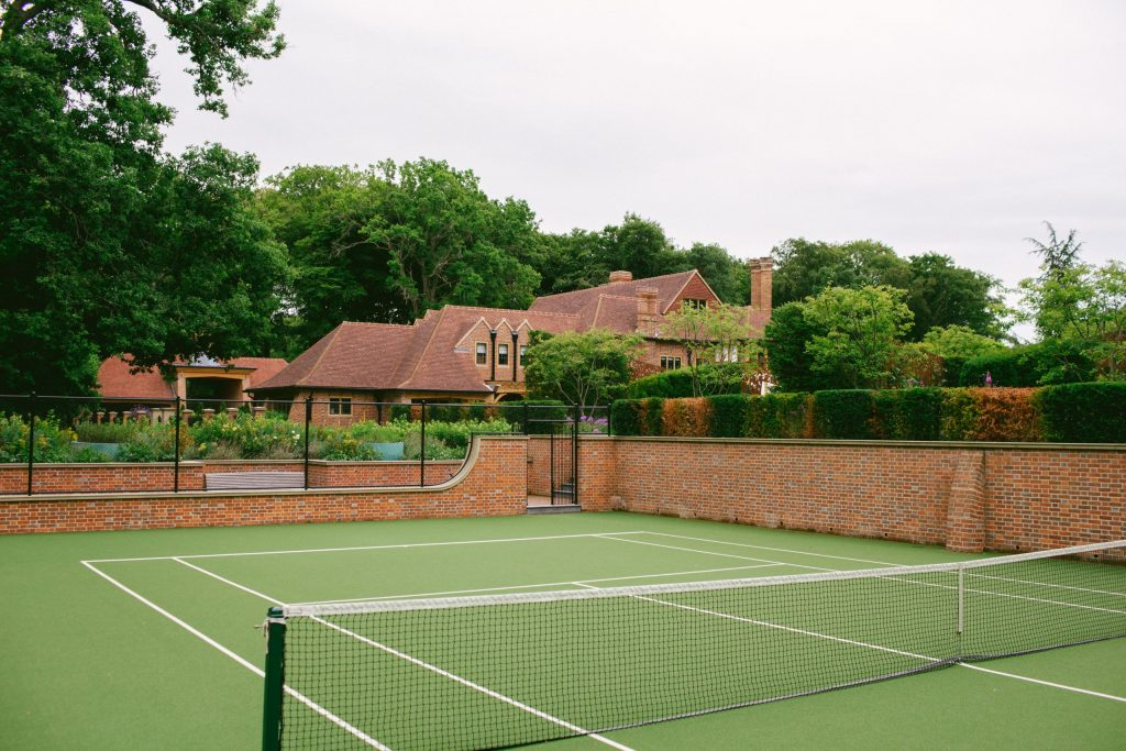 Private house tennis court design