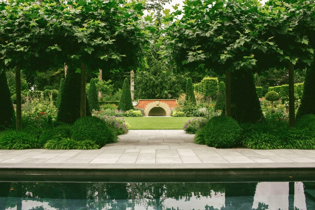 Arts and Crafts garden design in England