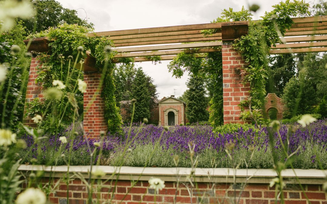 Arts and Crafts Garden in Henley-on-Thames