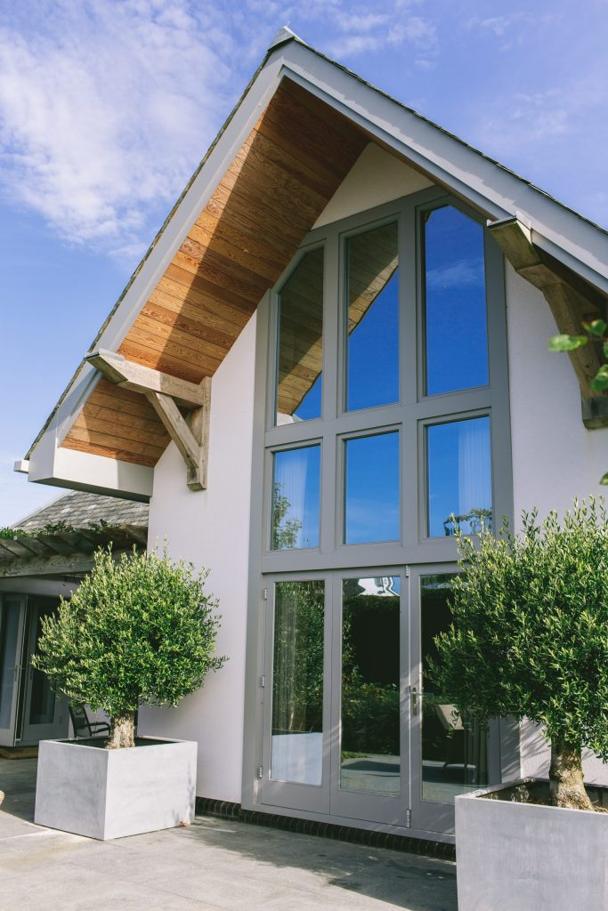 Contemporary house and garden design in the UK